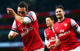 """Arsenal 2-0 Fulham: Cazorla toả sáng, """"Pháo"""" vững ngôi đầu (VIDEO)"""