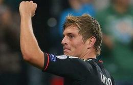 """Tin sáng 26/3: Toni Kroos đòi lương cao, Bayern """"nhả"""" cho M.U"""