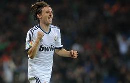 Tin 19/4: Modric nối gót Ozil khoác áo Arsenal