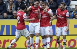 Hạ gục Hull City, Arsenal giúp Man Utd uy hiếp Everton