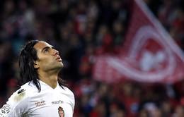 """Chuyển nhượng 13/6: Milan """"săn"""" Falcao, Cazorla muốn bỏ Arsenal"""