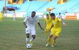 Đấu bù vòng 8 V-League: Hà Nội T&T lấy lại ngôi đầu