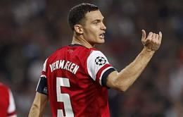 Chuyển nhượng tối 25/7: Barca đưa Vermaelen về đá cặp cùng Pique