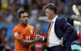 Chuyển nhượng sáng 7/8: Van Gaal không muốn học trò đến Man Utd, Barca sắp có Vermalen
