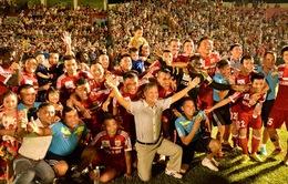 V-League 2014: B.Bình Dương tưng bừng đón cúp vô địch