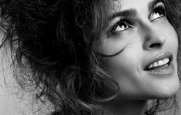 Helena Bonham Carter vào vai huyền thoại Elizabeth Taylor