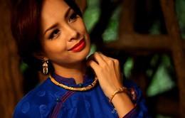 Người mẫu Thúy Hạnh bất ngờ đẹp dịu dàng trong tà áo dài