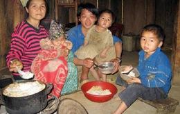 Cao Bằng: Trẻ thiếu đói và ăn mặc phong phanh trong giá rét