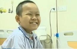 Xót thương bé 13 tuổi bị ung thư máu