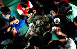 Quảng Trị: học sinh nội trú cơ cực bám trường