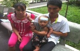Vợ chồng nghèo cầu cứu con ung thư