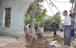 Nhiều hộ dân thôn Cốc Hạ hiến đất làm đường giao thông