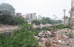 Huế: Nhức nhối nạn đổ trộm rác thải xây dựng bừa bãi