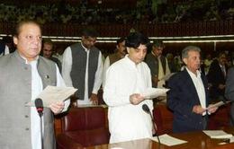 Quốc hội Pakistan tuyên thệ nhậm chức