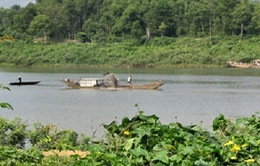 Tái diễn nạn khai thác cát sạn trái phép trên sông Hương