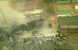 Chùm ảnh cháy lớn cây xăng đối diện Viện 108