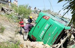 Giám định kỹ thuật xe khách gặp nạn tại Quảng Nam