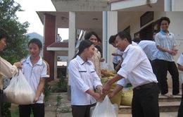 Hỗ trợ gạo cho học sinh khu vực đặc biệt khó khăn
