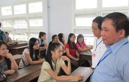 Thứ trưởng Bùi Văn Ga kiểm tra công tác tuyển sinh tại ĐH Đà Nẵng