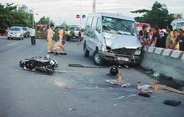Ô tô đâm trực diện xe máy, 3 thanh niên tử nạn