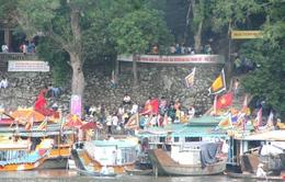 Cháy thuyền trên sông Hương, hàng trăm người hoảng loạn