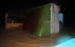 TNGT đường thủy nghiêm trọng, xà lan 600 tấn bị chìm