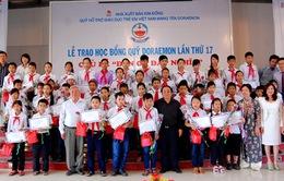 """550 trẻ em Việt Nam được nhận """"Học bổng Doraemon"""""""