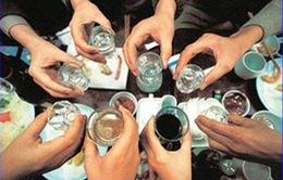 Khó kiểm soát thói quen uống rượu bia khi lái xe
