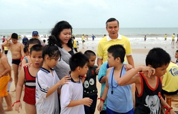 Thắp sáng niềm tin hơn 500 bạn nhỏ khiếm thị trên biển Hồ Cốc