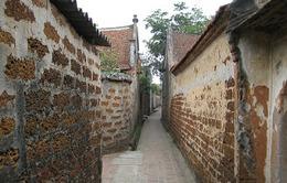 Chấn chỉnh việc bán vé vào tham quan làng cổ Đường Lâm