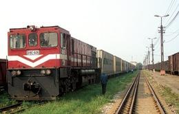 Đường sắt miễn cước chuyển hàng cứu trợ miền Trung