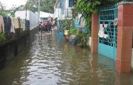 Vỡ bờ bao sông Sài Gòn gây ngập trên diện rộng