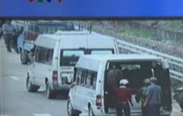 VIDEO: VTV làm rõ tình trạng xe dù lộng hành ở TT-Huế