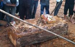 Khai quật ngôi mộ cổ 300 tuổi tại Hà Nội