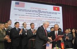 Việt Nam - Hoa Kỳ ký kết hợp tác khắc phục hậu quả bom mìn