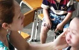 Khởi tố và tạm giam hai đối tượng bạo hành trẻ em