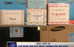 Tặng thiết bị cho Trung tâm điều dưỡng thương binh Nho Quan