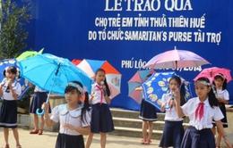 Trao 4.000 suất quà cho trẻ em nghèo vui đón Tết