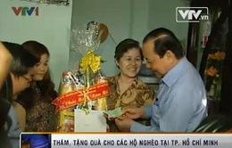 Lãnh đạo TP.HCM thăm, tặng quà Tết cho hộ nghèo