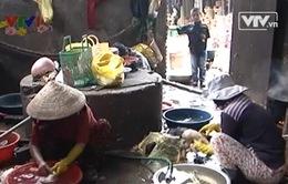 """Phú Yên: Chợ gia cầm giống """"nhộn nhịp"""" trên phố"""