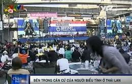 Theo chân phóng viên VTV vào bên trong căn cứ của người biểu tình Thái Lan