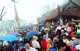 Chùm ảnh: Chen lấn nghẹt thở trong ngày khai hội Yên Tử