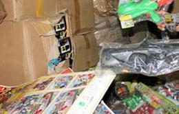 Tạm giữ hơn 23,4 tấn đồ chơi trẻ em nhập khẩu