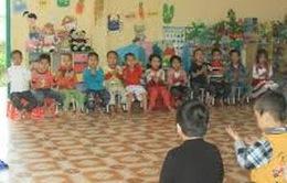 Cấm dạy thêm ngoại ngữ cho trẻ trong trường mầm non