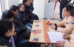 """Bắt giữ 13 """"cò mồi"""" ở lễ hội chùa Hương"""