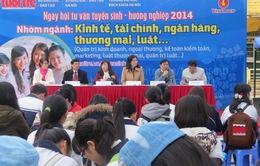 Hàng nghìn học sinh tham gia ngày hội tư vấn tuyển sinh hướng nghiệp 2014
