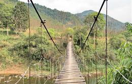 Bộ GTVT kiểm tra hệ thống cầu treo ở Điện Biên