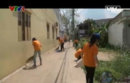 """Những """"tình nguyện áo cam"""" cùng chung tay bảo vệ môi trường"""