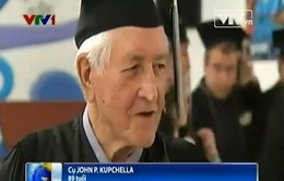 Cụ ông 89 tuổi tại Mỹ nhận bằng tốt nghiệp trung học