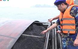 Tạm giữ tàu vận chuyển 700 tấn than cám